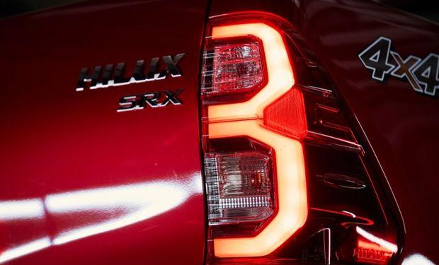 Se presentó la nueva Hilux: precio, diseño y principales características