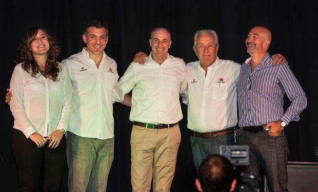 De izquierda a derecha: Lorena Simonassi, Nicolás Simonassi, Nicolás Ballestrero, Eduardo Simonassi y Sergio Di Benedetto.