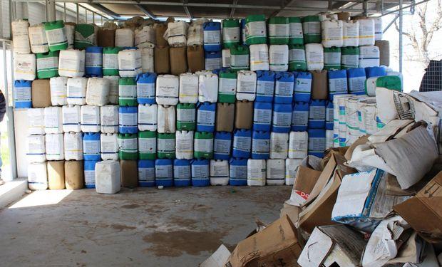 """Del Solar: """"Tenemos que avanzar con mayor celeridad con la implementación de la ley de envases fitosanitarios""""."""