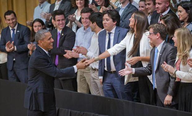 El Presidente norteamericano saludando a emprendedores argentinos. Foto: adnbaires