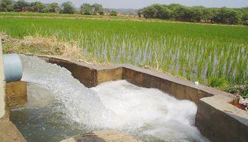 Otorgan millonario crédito para financiar obras rurales