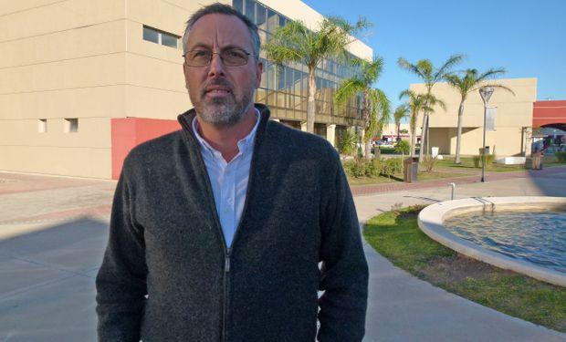 Pablo Lafuente De Volder, Gerente de Marketing de Spraytec, frente a la nueva planta.