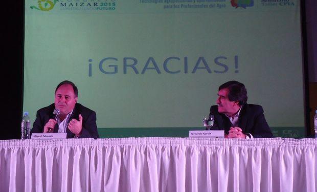 """Panel sobre """"Tecnologías que debemos tener en cuenta"""". De izquierda a derecha: Miguel Taboada y Fernando García."""