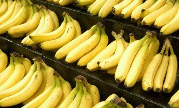 Con más de 12 kilos por habitante por año, la banana es la fruta más consumida por los argentinos, lo que demanda un gran número de importaciones.