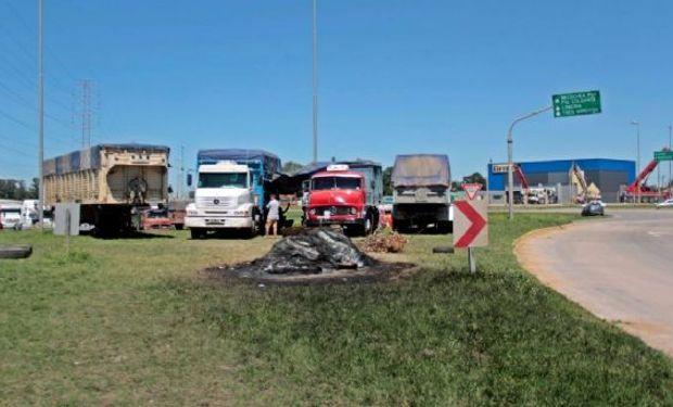 Comenzó el paro de transportistas en Necochea y Bahía Blanca: no se registran ingresos en los puertos