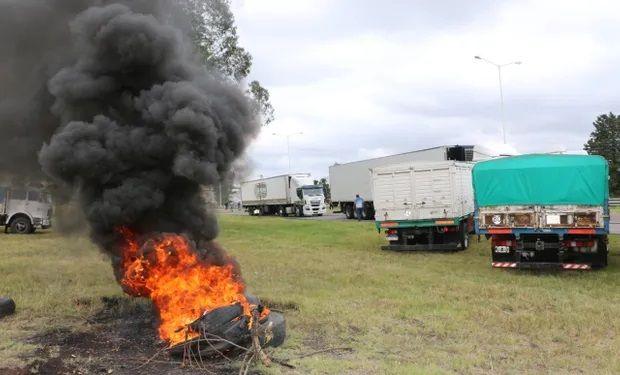 Se paralizan los puertos de Bahía Blanca y Necochea: transportistas autoconvocados lanzaron un paro