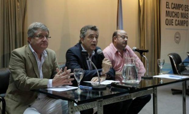 Para mañana, está previsto que los líderes de la protesta encabecen una asamblea de productores en Salta.