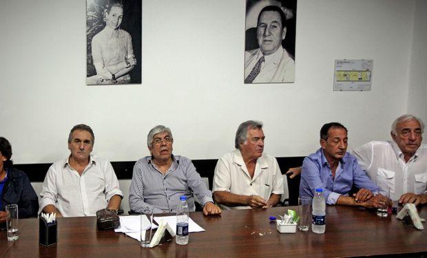 Micheli, Schmidt, Moyano, Barrionuevo, Maturano y Fernández, los referentes de la huelga del 9 de junio. Foto: Marcelo Gómez