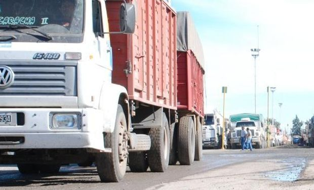 Camioneros desarrolla un paro en todo el país.