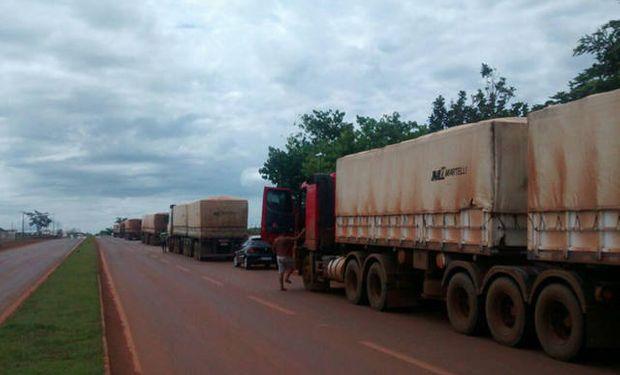 Esta semana camioneros brasileños comenzaron a realizar –en plena cosecha de soja– bloqueos de rutas para reclamar mejores tarifas.