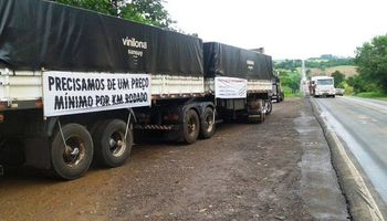 Sin acuerdos, ya son 100 los bloqueos en las rutas de Brasil