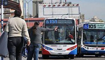 Moyano y gremios del transporte suspendieron el paro hasta marzo
