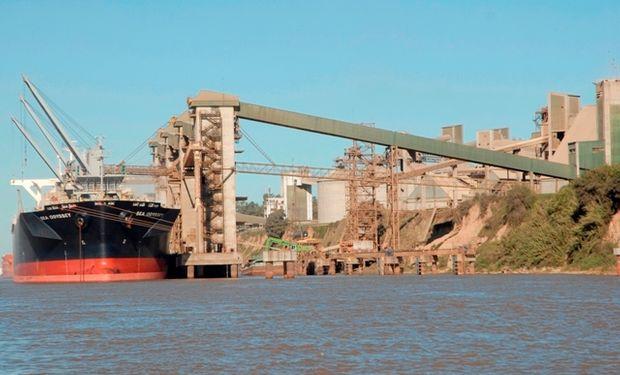La medida no tomó de sorpresa a los exportadores de cereales –se los habían adelantado la semana pasada– pero es casi imposible cambiar los cronogramas de llegadas de los buques granarios.