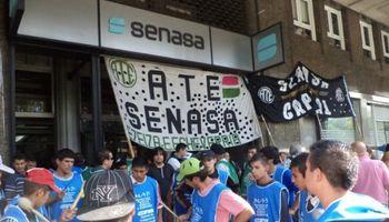 Paro de Senasa mantiene en alerta a exportadores