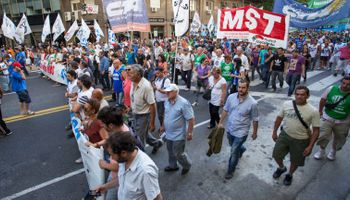 Con una marcha, comienza el paro nacional contra el Gobierno