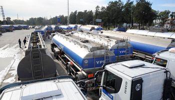 El paro de transportistas complica la provisión de combustible