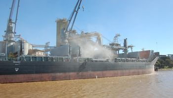 Levantan paro en el principal puerto de granos