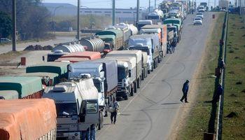 Paro por tiempo indeterminado afecta la exportación de granos