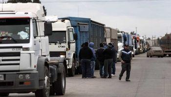 Fuerte rechazo del campo al paro de transportistas de granos