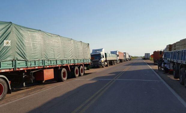 Advertencia de 23 entidades agroindustriales: se corta la cadena de pagos y faltan alimentos por el paro de transportistas