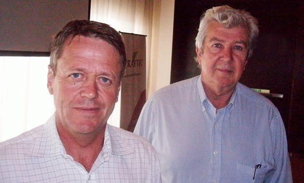 De izquierda a derecha: Dr. Patrick Brown de la Universidad de California, y al Ing. Agr. Ricardo Melgar del INTA Pergamino. Foto: Spraytec