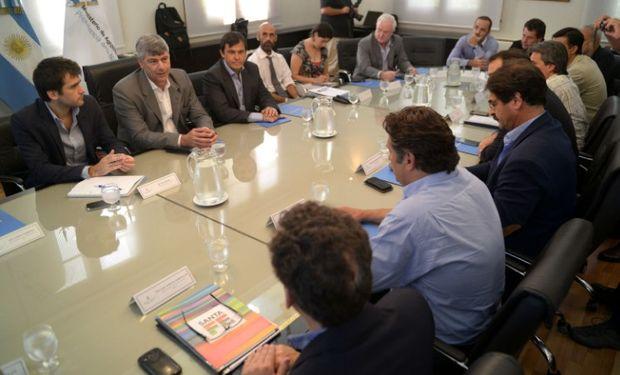 El ministro Ricardo Buryaile encabezó la reunión.