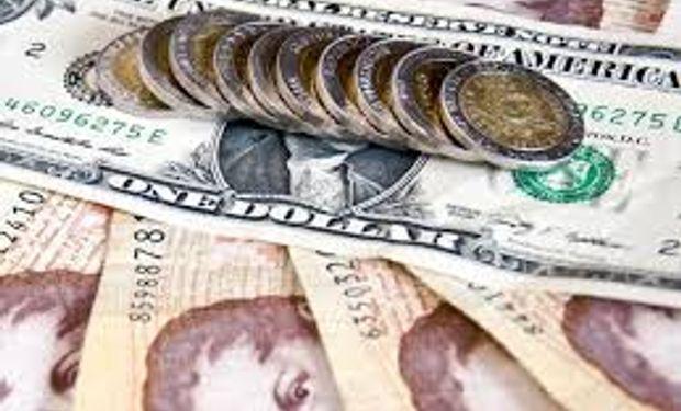 Fuerte devaluación del peso en agosto