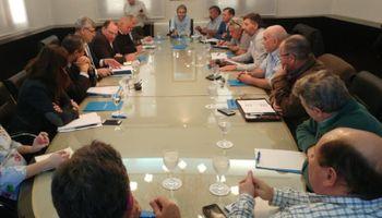 Federación Agraria Argentina entregó un petitorio a Buryaile
