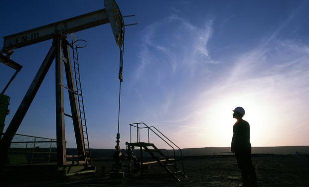Esta caída en los valores del petróleo perjudica principalmente a los países cuyas exportaciones de crudo son vitales para su economía.