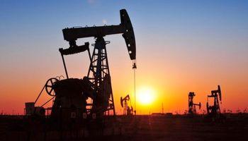 Petróleo, sin freno: cayó 6,7%, mínimo en 13 años
