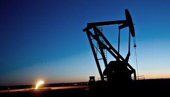 El petróleo sufrió en julio su peor caída mensual desde la crisis de 2008