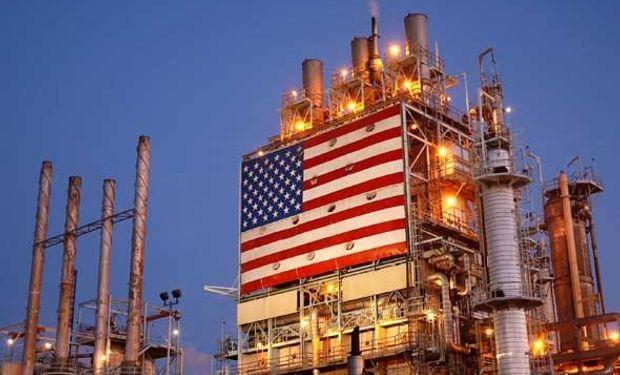 """El precio del barril de """"light sweet crude"""" (WTI) para entrega en abril perdió 42 centavos a 43,46 dólares en el New York Mercantile Exchange."""