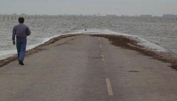 En 90 días podría retirarse el agua de La Picasa de la Ruta Nacional 7