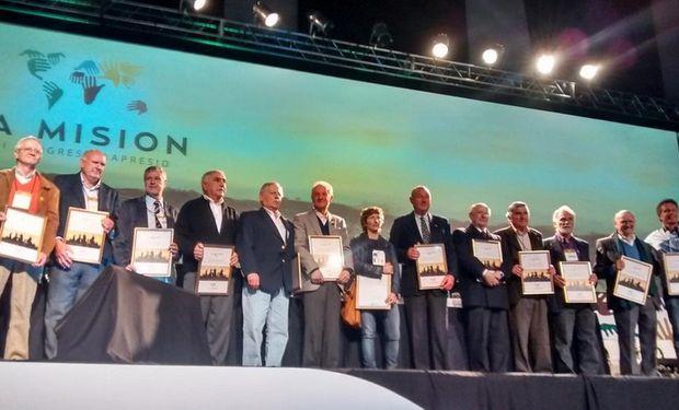 Una veintena de pioneros, fundadores e innovadores recibieron su merecido homenaje.