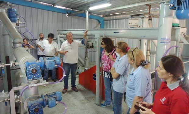Equipada con tecnología de vanguardia, se inauguró una planta piloto para optimizar la producción de aceites oleaginosos y derivados.