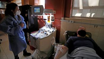 Suero hiperinmune contra el Covid: el tratamiento de investigadores argentinos ya está en hospitales