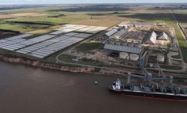 Terminales portuarias de Rosario son el importante punto de partida de la soja argentina hacia China.