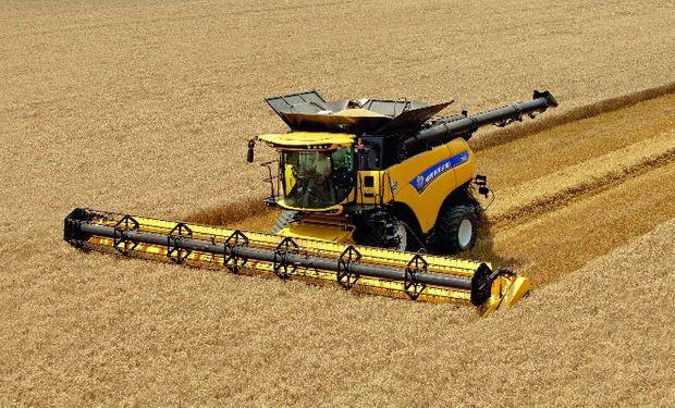 La cosechadora CR10.90 es la más potente del mundo gracias a sus 652 caballos de fuerza.