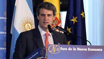 Prat Gay teme que la crisis de Brasil arrastre aún más a la Argentina
