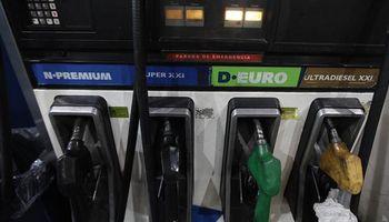 Empiezan a liberar el precio del crudo para frenar la suba de naftas