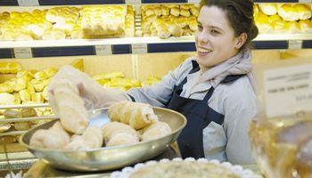 Panaderos confirman acuerdo para ofrecer el pan a $ 26
