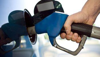 Aranguren negó que esté previsto otro aumento de la nafta, pero no lo descartó para más adelante