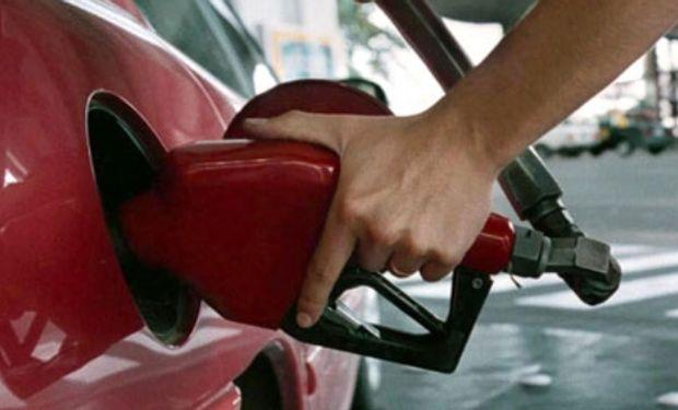 Tanto la nafta como el gasoil se incrementarán alrededor de un 1% en todo el país, por lo que se concretará la tercera suba de 2015.