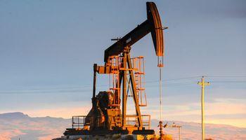 El Gobierno bajó retenciones para las petroleras y estableció un precio mínimo de US$ 45
