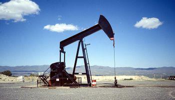 El petróleo recuperó más del 6% y superó u$s 52