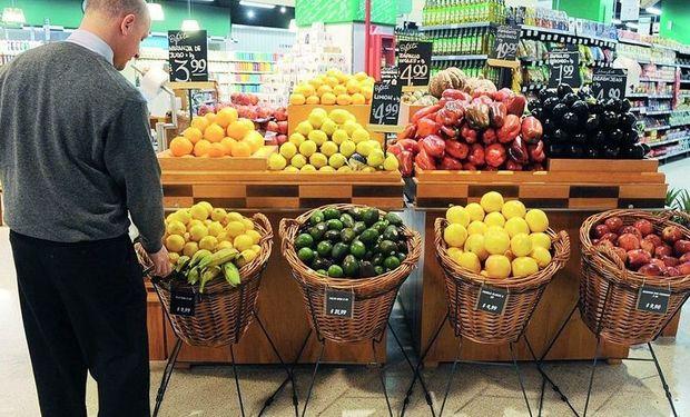 Distorsiones en la cadena. Mientras que el precio que reciben los productores de manzanas bajó un 27,3%, los consumidores terminaron pagando el 7,9% más en diciembre.