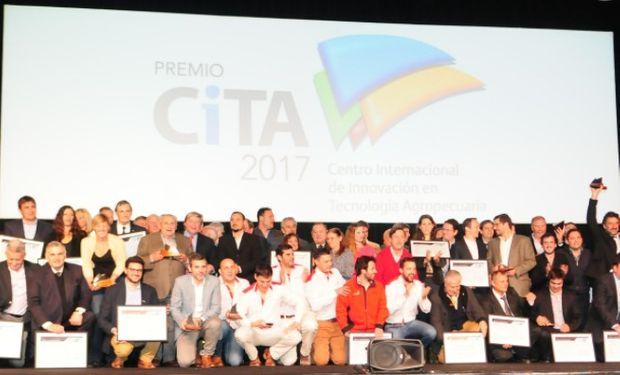 El CiTA de Oro fue para Bioinnovo que presentó el primer producto biológico para prevención y tratamiento de la Diarrea Neonatal del Ternero.
