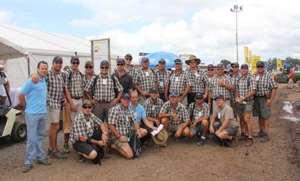 40 miembros de una delegación sudafricana.