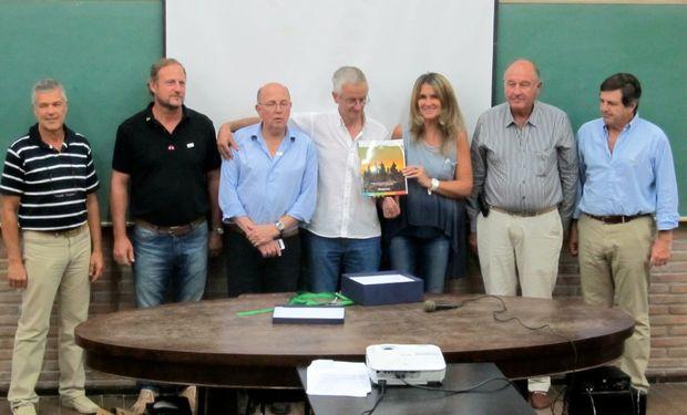 De izquierda a derecha: Telmo Trossero, Martín Ambrogio, Alberto Marchioni, Nicolás Milatich, Pilu Giraudo, Luis Giraudo y César Belloso