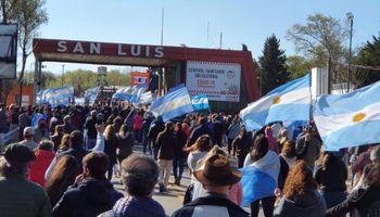 """San Luis: productores piden test rápido para el ingreso y el Gobierno responde que """"eso no está aceptado"""""""